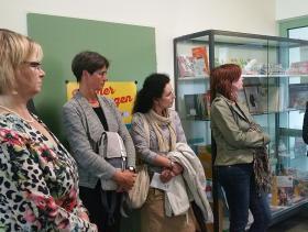 BsW_Schulen_Gießen_Vitrine-Damen