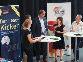 Lese-Kicker_2_Preisverleihung_Partner-Karin